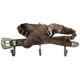 Portemanteau doté de 3 crochets motif western avec ceinture et revolver  30 cm